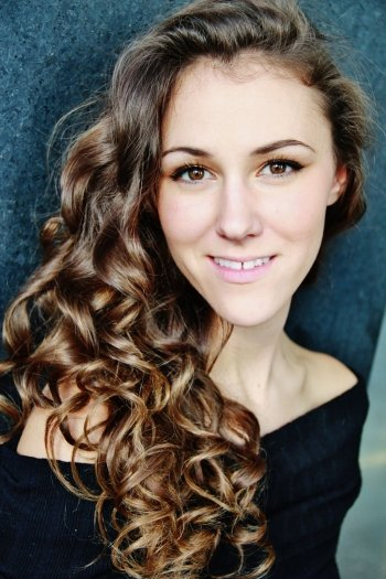 Mezzo-soprano Gena van Oosten is one of four participants from the 2018-2019 Yulanda M. Faris Young Artist Program who will appear in The Merry Widow.