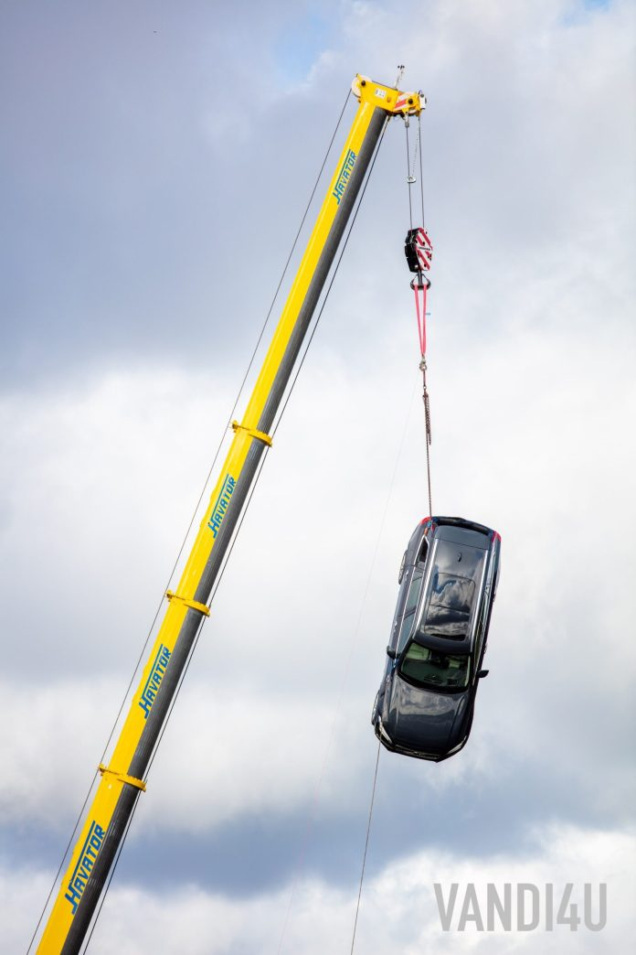 Volvo drops new cars multiple times from 30 metres to save lives | Vandi4u