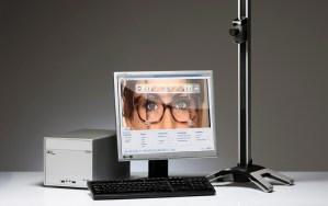 visuReal. Een geavanceerd video-centreersysteem dat computergestuurd het optimale brillenglas selecteert, waarna exact berekend wordt hoe het glas in uw montuur gemonteerd moet worden.