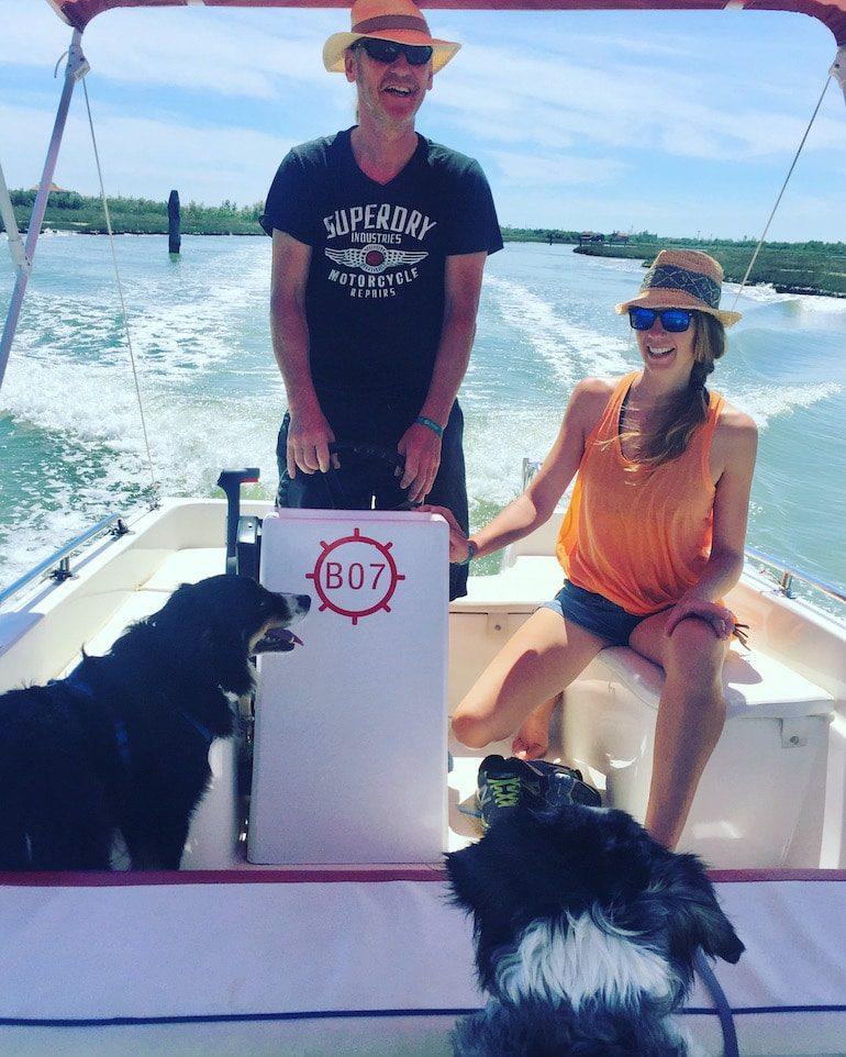Laguna Nord Cavallino Hund Venedig Motorboot Abenteuer mit Hund