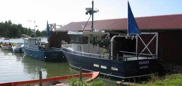 Två vänerfiskebåtar i Rackeby