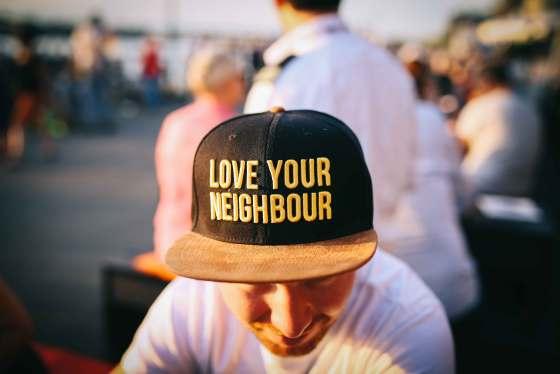 ama a tu vecino