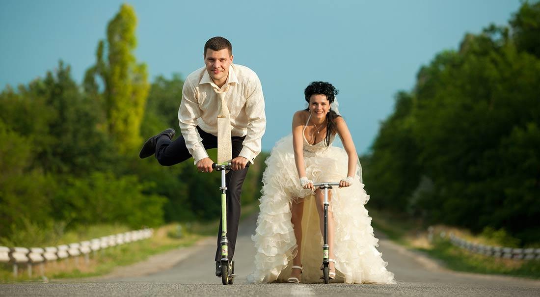 Smiling-young-couple_tuscany_vanessa_cerrone