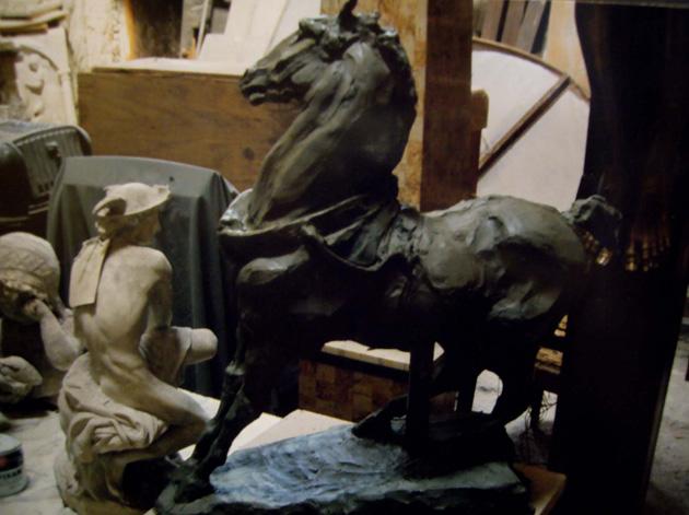 horseclay_630x630