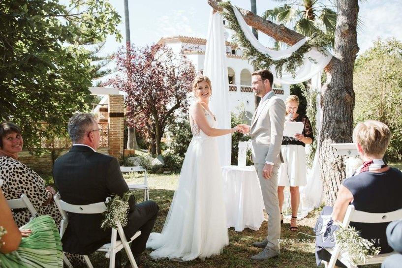 vanessa serrani destination wedding planner barcelona costa brava ceremony ceremonia aire libre