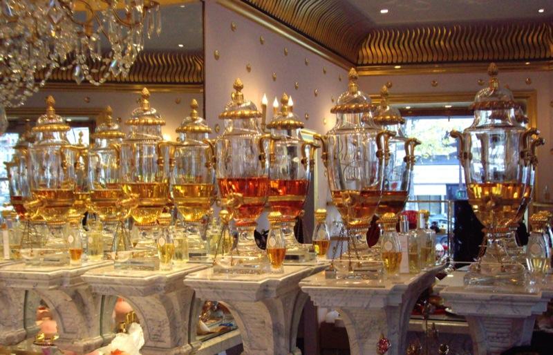 Les fontaines de parfums de Caron