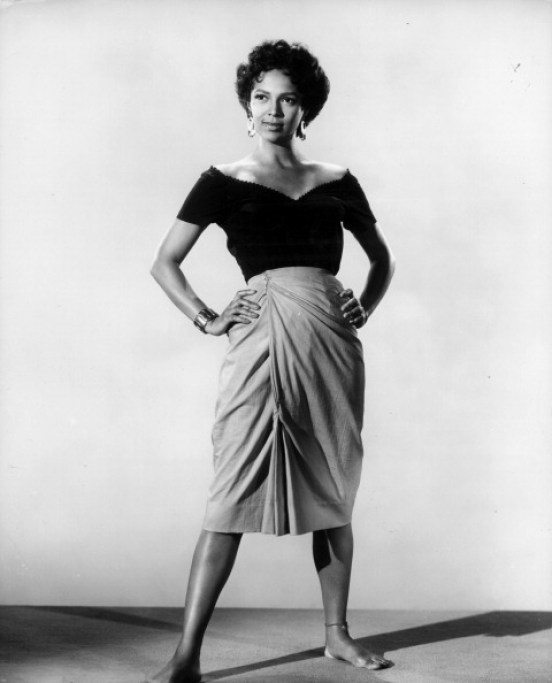 Dorothy Dandridge strikes a pose in a scene from the film 'Carmen Jones', 1954. (Photo by 20th Century-Fox/Getty Images)