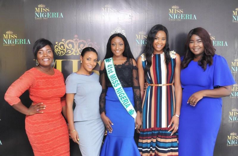 De droite à gauche Chioma : Project Coordinatrice<br /> Ezinné : Miss Nigeria 2013, Directrice Artistique<br /> Mildred Ehiguese Miss Nigeria 2017 Vanessa : Exécutive Directrice<br /> Yvonne : Business Planer
