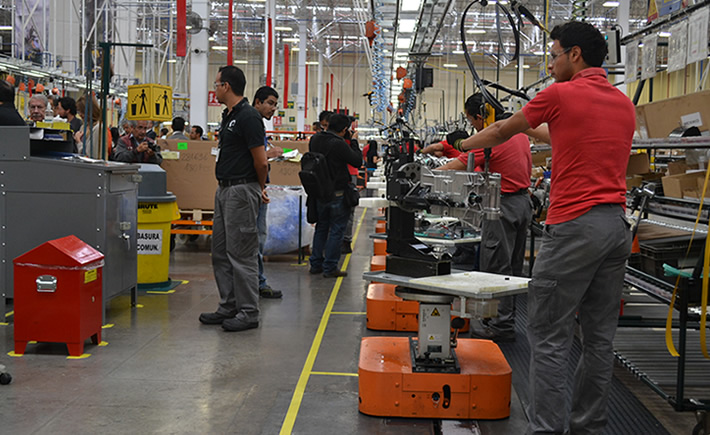 Crece empleo 1.7% en sector manufacturero