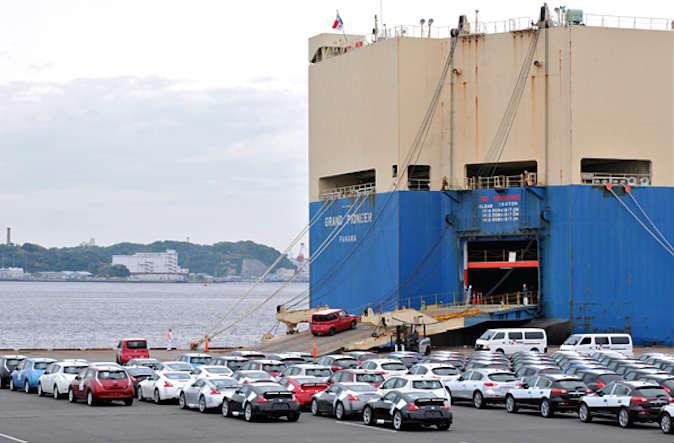 Las exportaciones de autos mexicanos a América del Norte crecieron 21.1% y a países asiáticos (23.5%) en los primeros cinco meses del año. (Foto: Nissan)