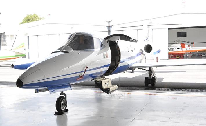 La donación de la aeronave, que se llevó a cabo en el hangar de la Sagarpa, se realizó a través de la Comisión de Operación y Fomento de Actividades Académicas (COFAA). (Foto: Cortesía IPN).