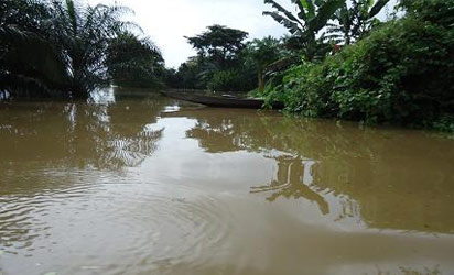 cross-river-flood-2