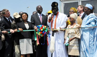 COMMISSIONING: From left: Mr. Wolfgang Goetsch, MD, Julius Berger Nigeria Plc; Dr. Obafemi Hamzat, Commissioner for Works and Infrastucture; Mrs. Adejoke Orelope-Adefulire, Deputy Governor of Lagos State; Governor Babatunde Fashola of Lagos State; Oba Riliwan Akiolu, Oba of Lagos; Mrs. Abimbola Fashola, First Lady of Lagos State and Alhaji Yayale Ahmed, former Secretary to the Government of the Federation, during the commissioning of Lekki-Ikoyi Link Bridge to commemorate Democracy Day in Lagos, yesterday. Photo: Bunmi Azeez.