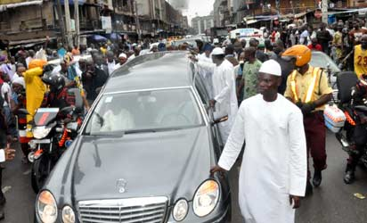 The Islamic burial rite for Late Alhaja Abibat Mogaji, The Iyaloja-General of Nigeria, mother of Asiwaju Bola Ahmed Tinubu, former Governor of Lagos State was held at the Lagos Central Mosque, Balogun and her residence at Alausa, Ikeja while the interment was at the Ikoyi Muslim  cemetery. Pix Arrival of the body of Late Alhaja Abibat Mogaji, at Lagos Central Mosque, Photo by Joe Akintola photo Editor, Lamidi Bamidele and Bunmi Azeez