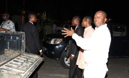 BLOCKED—Governor Chibuike Amaechi of Rivers State complaining of the police action, yesterday.