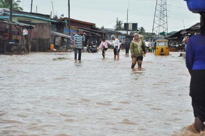 Flood-at-toyin-bus-stop-lagos
