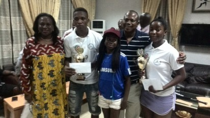 Wife of Former Youth Minister, Mrs Adenike Olasunkanmi, Temiloluwa Adegoke (Winner, Boys Category), Fikayo Olasunkanmi, Senator Olasunkanmi (Sponsor of the tournament), Busayo Olatunji (Winner, Girls Category), at the just concluded Senator Olasunkanmi U-19 Closed Squash Tournament organized by the Lagos Country Club
