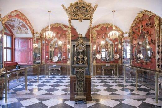 German police offer half million euro reward for stolen jewels
