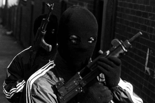 Gunmen kill bank customer, escape with undisclosed sum of money