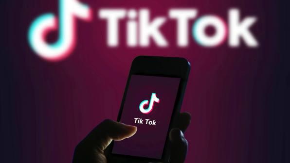 Egipto encarcela a influencers de TikTok por contenido inapropiado
