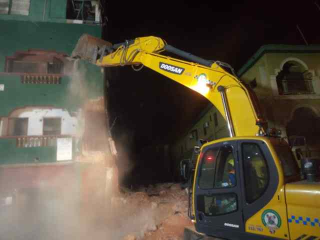 LASG pulls down two distressed buildings in Island, saves over 100 lives