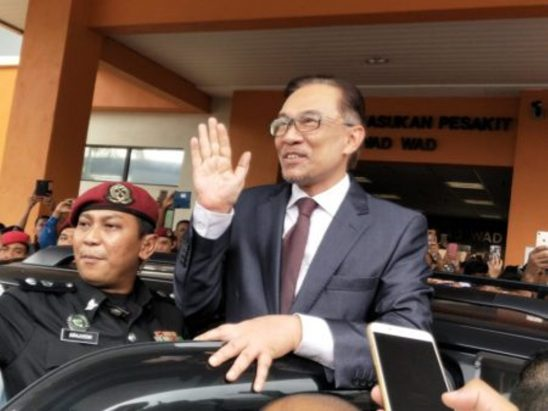 Malaysia's police to quiz leader-in-waiting over sex assault claims