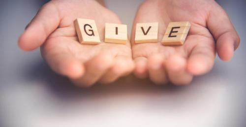 Catholic cleric preaches act of giving
