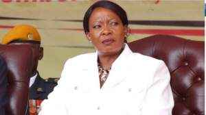 Zimbabwe: First Lady begs retailers to lower food prices