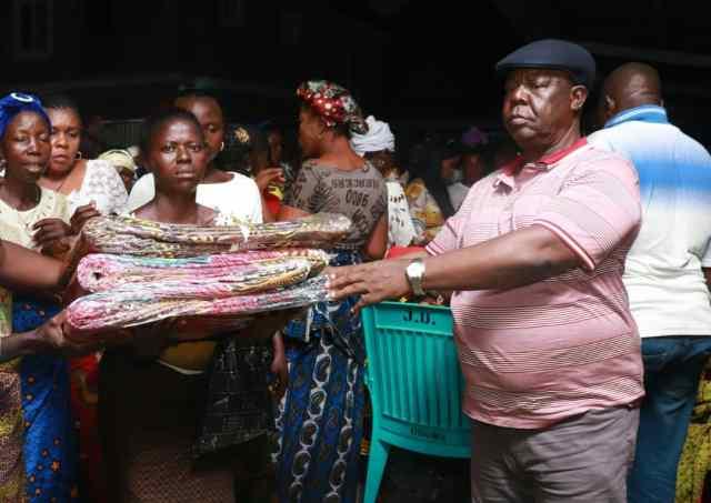Oguma feasts women, youths in Delta
