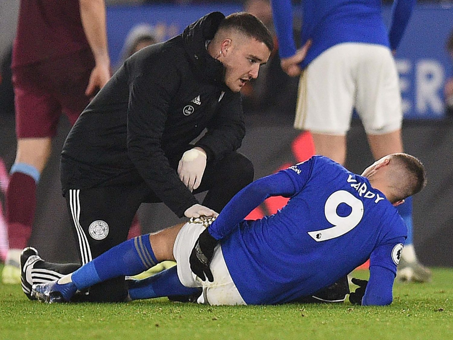 Leicester City say Vardy set to have hernia operation