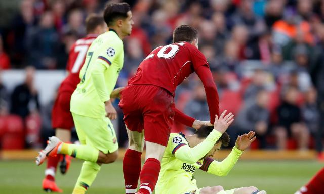 Andy Robertson, Messi