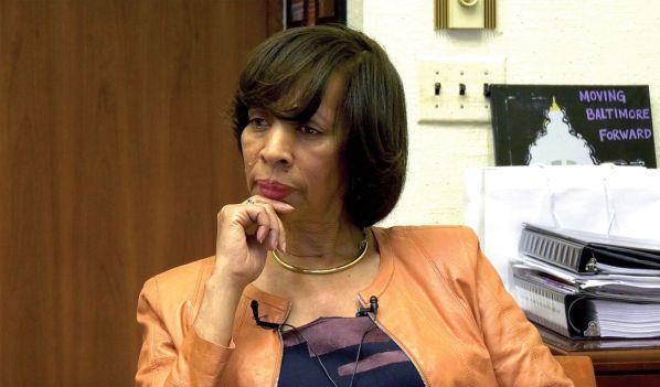 US female ex-mayor sentenced to three years for fraud