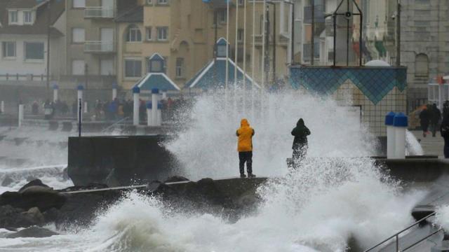Storm wreaks havoc across France, Britain