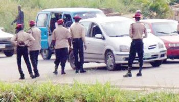 The Federal Road Safety Corps (FRSC) rescues pregnant woman in labour pains