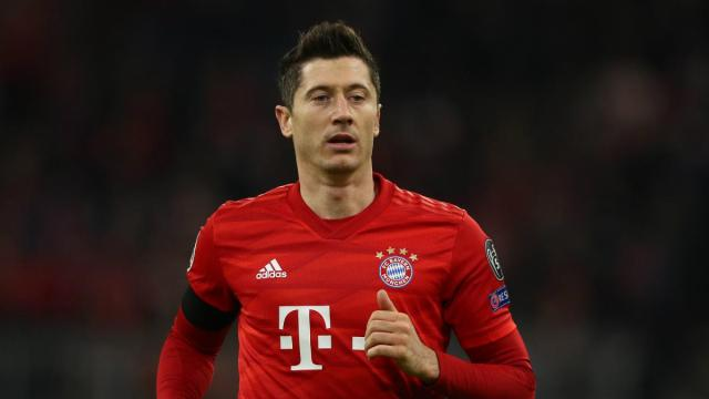 Lewandowski scores 30th Bundesliga goal of season as Bayern close on title