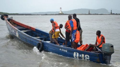 One injured as suspected sea pirates attack passenger boat in Bayelsa