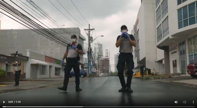 VIDEO: Panama police singing and dancing to entertain citizens during lockdown