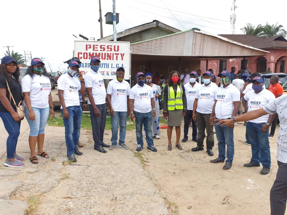 Lockdown: Delta Estate Surveyors donate food to aged in Warri, Asaba - Vanguard