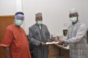 Forum of retired Heads of Service, Permanent Secretaries donate N500,000 to Edo COVID-19 fund
