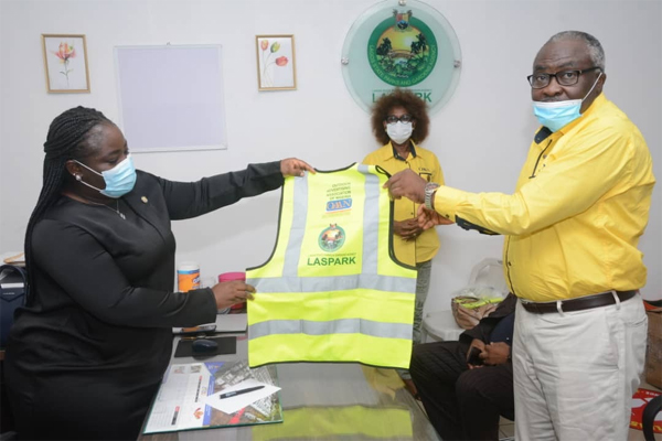 OAAN donates safety jackets to LASPARK