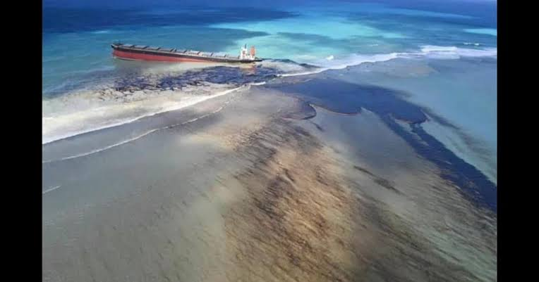 Mauritius residents scramble to counter oil spill from grounded ship