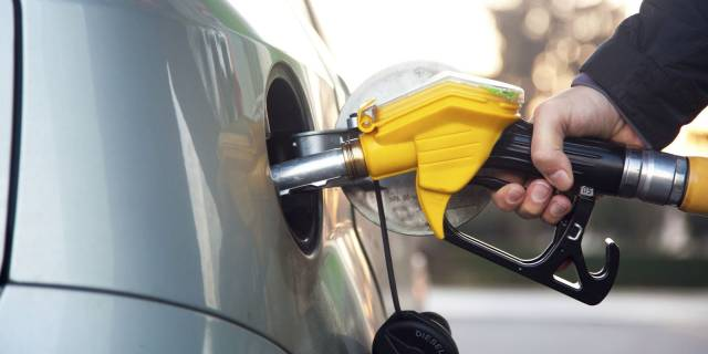 Fuel scarcity looms in Lagos, its environs as tanker drivers begin strike Monday