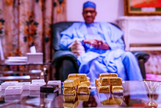 Zamfara 6 President Buhari receives a briefing from Gov Matawalle