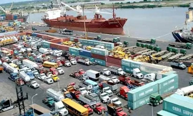 FG, Lagos halt barge operations along Marina coastline