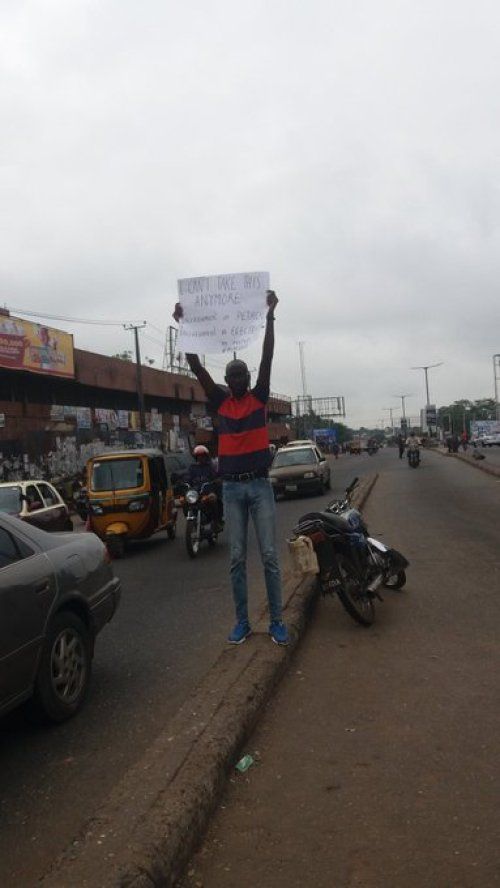 Man goes solo, protests increase in fuel, electricity tariffs in Ibadan