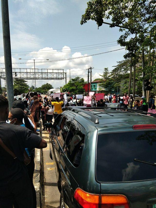 EndSARS Protesters block major roads, streets in Calabar