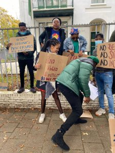 VIDEO: Nigerians in Holland join #EndSARS protest, write Buhari on 5 of 5 demands