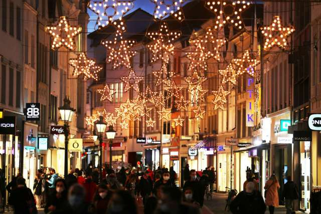 Germany to enter weeks-long shutdown over Xmas; shops promised aid