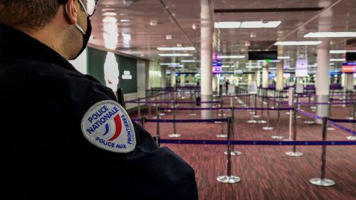 La lista de países de la Unión Europea que prohíben los vuelos desde Gran Bretaña está aumentando debido a la nueva cepa