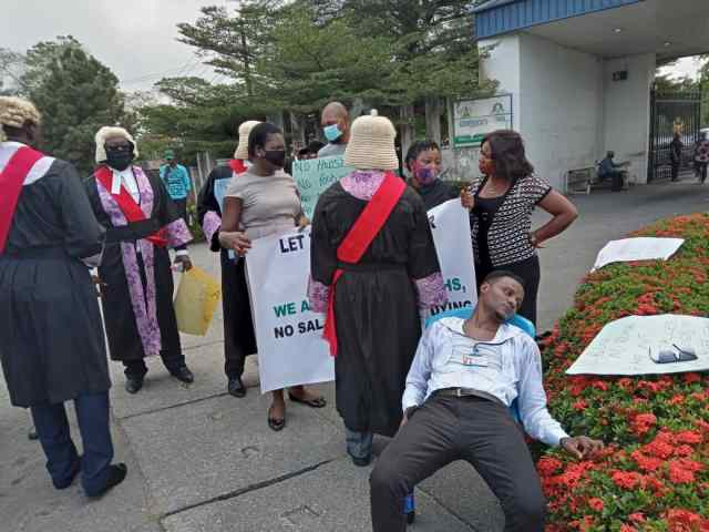 BREAKING: Unpaid Salary: Magistrate collapses during protest in Calabar